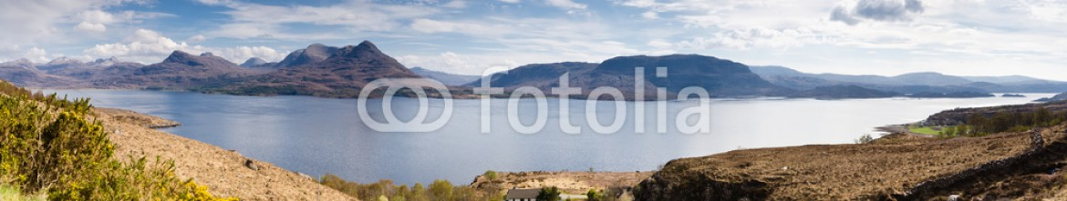 52836237 – United Kingdom of Great Britain and Northern Ireland – Loch Torridon Panorama