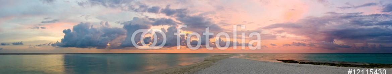 12115430 – Russian Federation – Ocean, beach and sunset