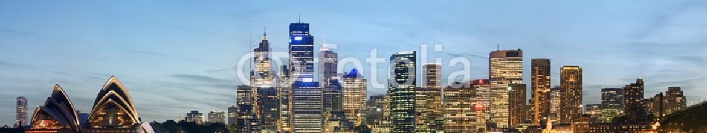 15764437 – Australia – Panoramic view of Sydney skyline with blue sky