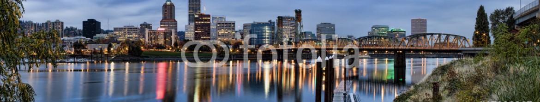 17938367 – United States of America – Panorama of Portland, Oregon, USA.