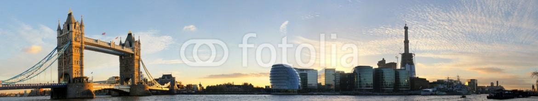30013146 – United Kingdom of Great Britain and Northern Ireland – London Tower Bridge Panorama