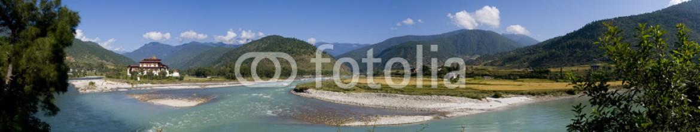 34491366 – Netherlands – Punakha Dzong and the Mo Chhu river in Bhutan