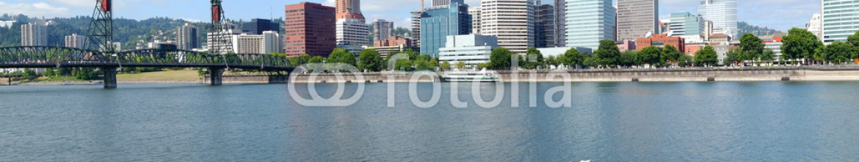 35912468 – United States of America – Portland Oregon city panorama.