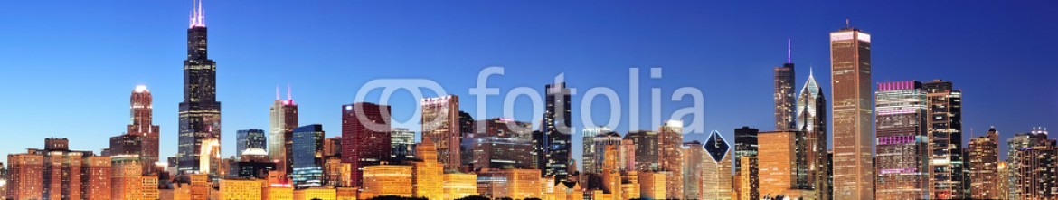 39648313 – United States of America – Chicago night panorama