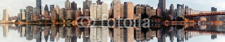 40325933 – United States of America – New York City Panorama