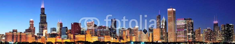 40340426 – United States of America – Chicago night panorama