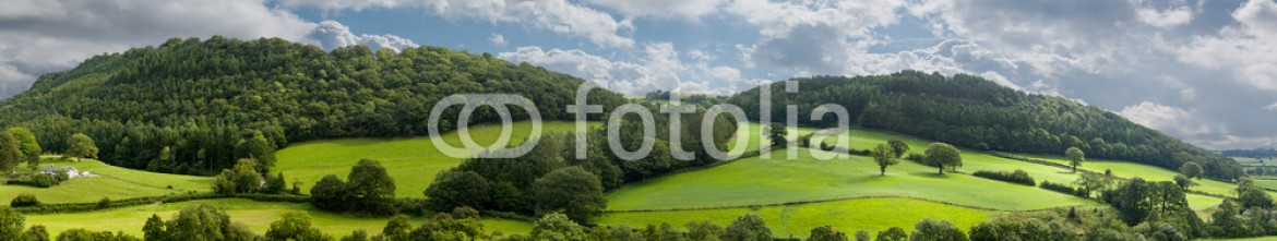 49480138 – United Kingdom of Great Britain and Northern Ireland – Panorama of welsh countryside