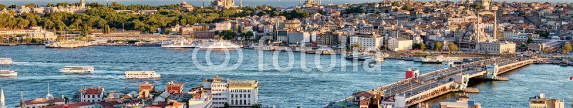 53516899 – Russian Federation – View of the Golden Horn and old areas of Istanbul at sunset