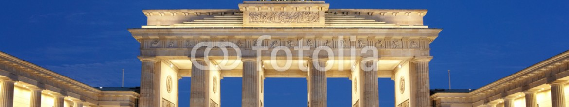 46403272 – Italy – Berlin, Brandenburg gate at night