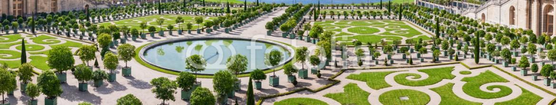 49800285 – Spain – L'Orangerie garden in Versailles. Paris, France
