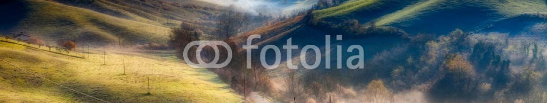 54105852 – Italy – italian hills