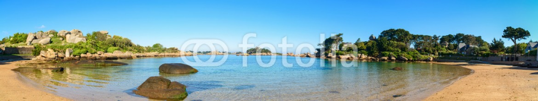 55158858 – France – Ploumanach panorama, rocks and bay beach, Brittany, France.