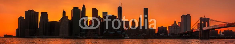 57037366 – United States of America – Silhouettes of Manhattan.