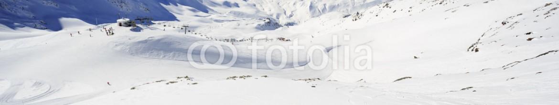 59202678 – Poland – Winter mountains – ski slopes in Italian Alps