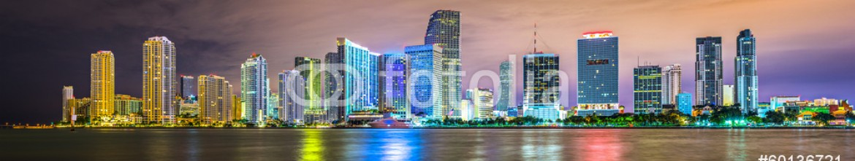 60136721 – United States of America – Miami, Florida Biscayne Bay Skyline Panorama