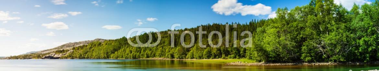 60334335 – Bulgaria – Panoramic long exposure shot of a lake in Northern Norway