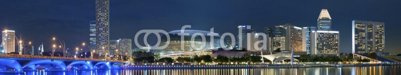 60734314 – Singapore – Panorama of Singapore city at night