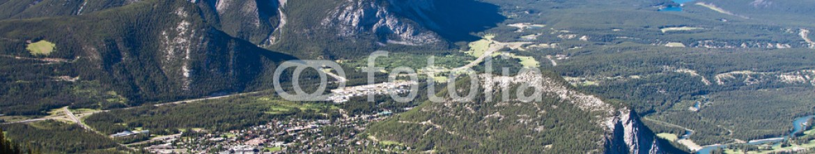 61674180 – Russian Federation – Banff town, valley and mountains, Alberta, Canada