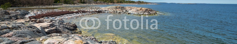 64527989 – Sweden – Rock coast at the swedish coastline