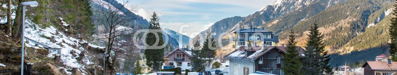 66000551 – Kazakhstan – Ski resort town Bad Gastein in winter snowy mountains