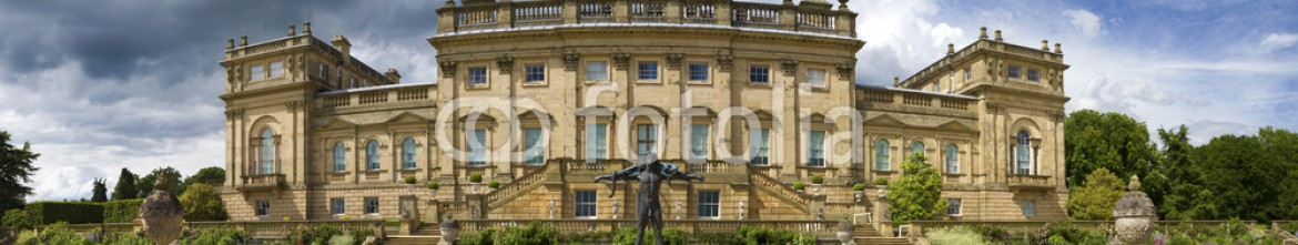 66200340 – United Kingdom of Great Britain and Northern Ireland – Panoramic view Harewood House stately home
