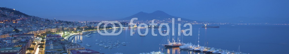 67458568 – Italy – Napoli by night