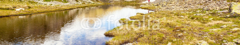 67786389 – Italy – trekking in alta montagna