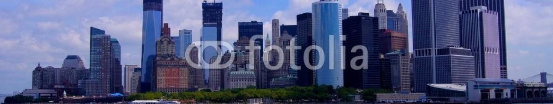 68224491 – Czech Republic – Manhattan panorama with ship