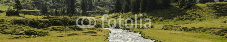 69625780 – Italy – Fiume di montagna