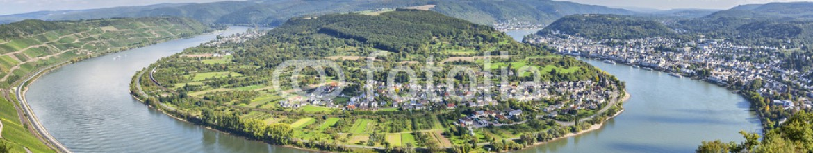 70485537 – Germany – Picturesque bend of the river Rhine near Filsen