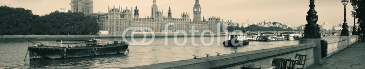 70683389 – United States of America – Thames River Waterfront