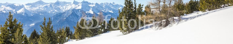 70772612 – Italy – Paesaggio invernale di montagna