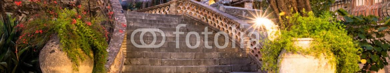71572101 – Italy – Taormina City Scape