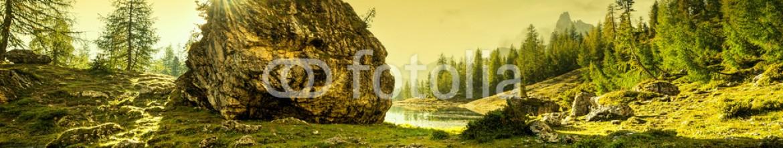 72306240 – Hungary – Italy, Dolomites – sunrise behind the rocks