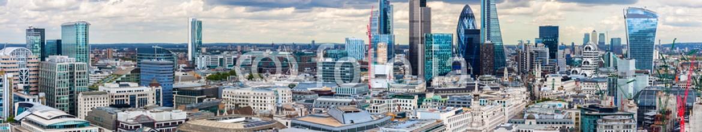 73252620 – Spain – The City of London Panorama