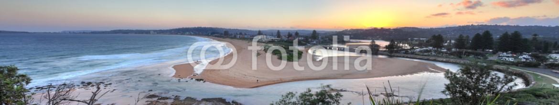 73403118 – Australia – North Narrabeen beach and lakes entrance views Australia