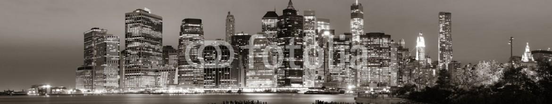 73439051 – United States of America – Manhattan at night