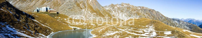 73526883 – Italy – Panoramica in montagna – Rifugio Frassati in Valle d'Aosta