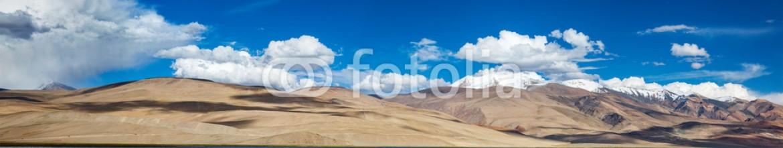 73646670 – India – Panorama of lake Tso Moriri in Himalayas, Ladakh