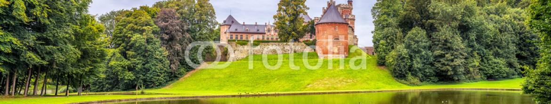 73820781 – Belgium – Gaasbeek Castle, Lennik, Belgium