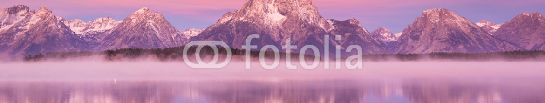 74305734 – United States of America – Grand Teton mountain  range, Jackson Lake
