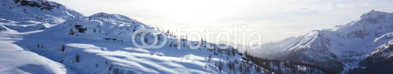 75225150 – Italy – panorama di montagna invernale