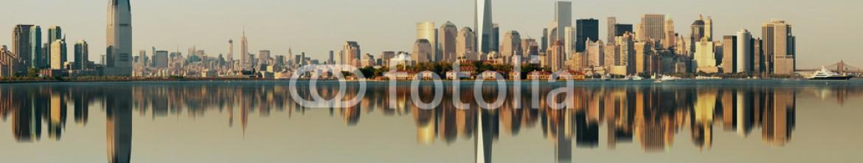 76546175 – United States of America – Manhattan downtown skyline