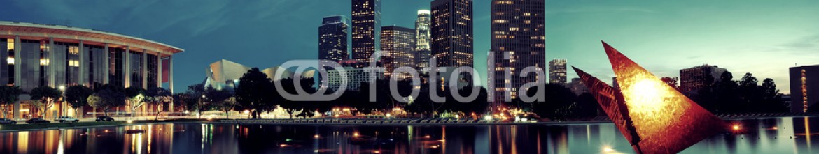 76550387 – United States of America – Los Angeles at night