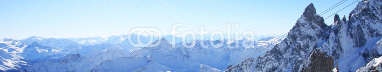 76675980 – Italy – paesaggio alpino