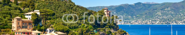 77026267 – Italy – Portofino luxury village landmark, panoramic aerial view. Liguri