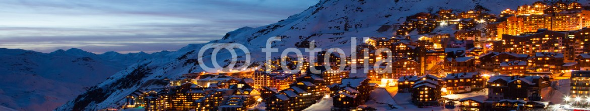 79868585 – Italy – Val Thorens by night