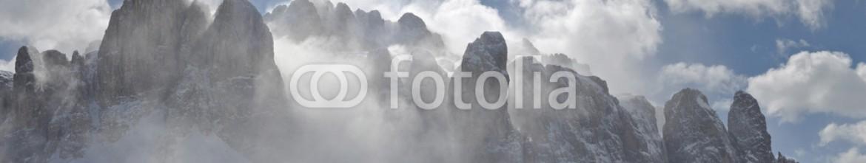 80217663 – Italy – vento ad alta quota