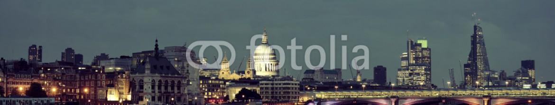 80219429 – United States of America – London night