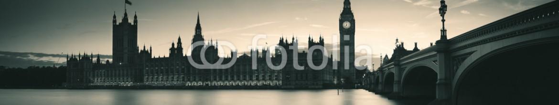 80227685 – United States of America – London at dusk